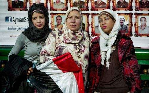 Card three egyptian women1