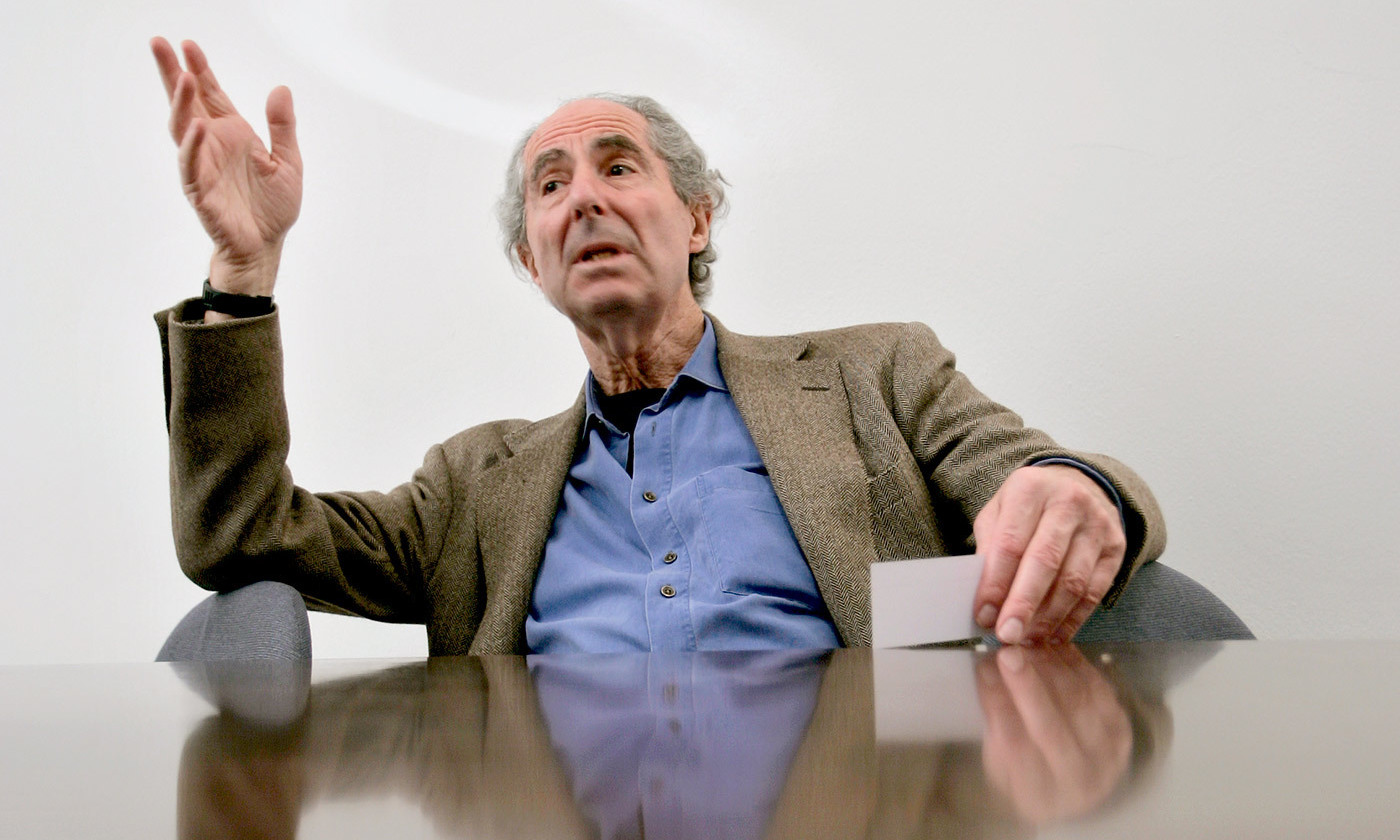 <p>No Jewish rituals. Phillip Roth photographed by Orjan F. Ellingvag. <em>Dagbladet/Corbis/Getty</em></p>