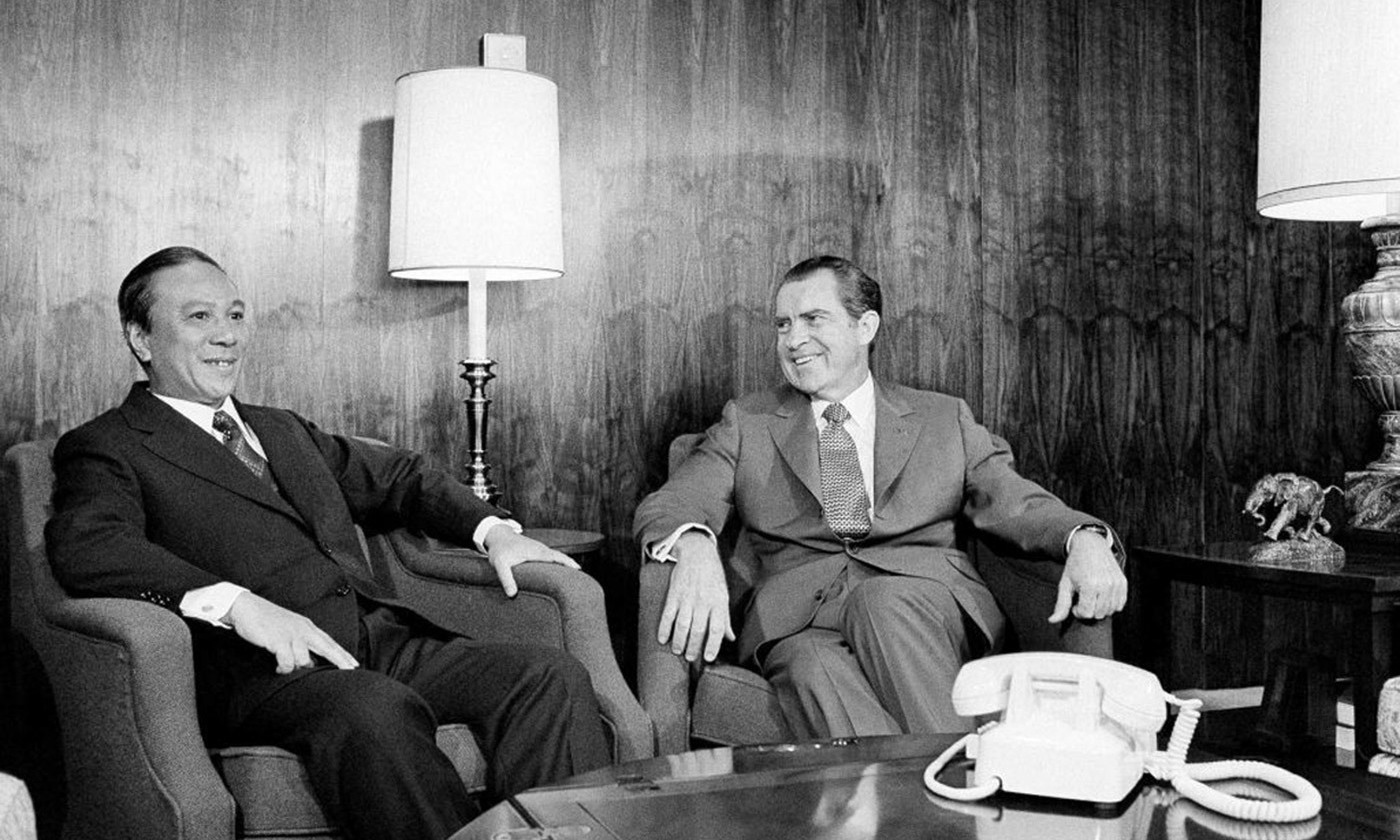 <p>Tricky. South Vietnam's President Nguyễn Văn Thiệu meeting President Richard Nixon on 2 April 1973. <em>Flickr/AP</em></p>