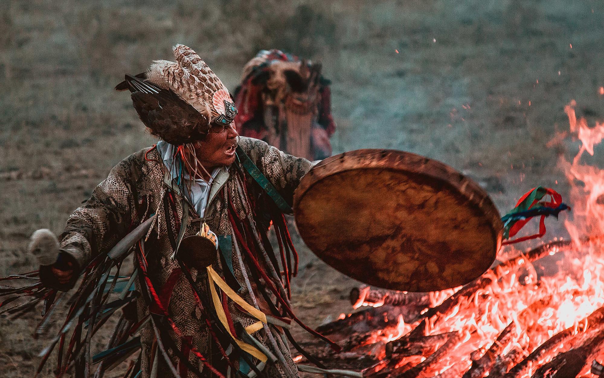 aboriginal people in canada essay Aborigines and native americans- a compare and contrast essay  treatment of aborigines and native americans  of the aboriginal people.